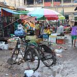 Am Ende eines Markttages in Hpha-an