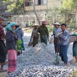Strassenarbeiter in Mandalay