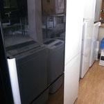 3、4人様~の大型冷蔵庫も当店へお任せ。しっかり査定しお運び致します。