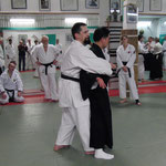 Osano Shihan bei Erläuterungen