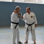 Tuftedal Sensei mit Goshin Jutsu Erklärungen aus Pinan Nidan