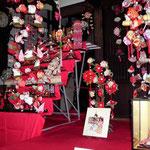 松千代館弥生の会さんのつるし雛と婦人部飾りつけのコラボ展示