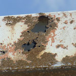 錆た箇所は薄く、もろくなっています。こうなると塗装だけではダメです