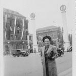1938.08.24 Berlijn, Caroline Grouwet - Unter den Linden