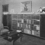 HD N°1082 Boekenwand;1083 Tafel
