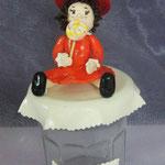 petite fille modéle sur pot à confiture 13€