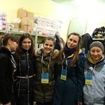 freiwillige Helferinnen im Militärkrankenhaus in Charkiv