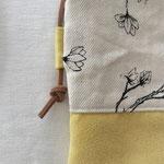 Magnoliendruck // Hellgelb Velours