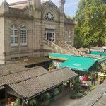 Viktualienmarkt in München ähnelt. Ourense ist ländliches Galicien allerdings am grössten Fluss des Landes dem Rio Miño, und somit Zugang zu Portugal und Meer.