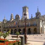 Rathaus auf der anderen.