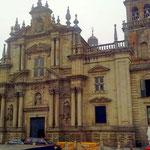 die Barockkirche befindet, in der Pilars Eltern seinerzeit heirateten.
