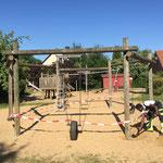 Kindergarten Schaukel abmontiert