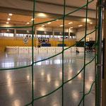 Wunderbar in einer Sporthalle - Schlittschuh laufen....
