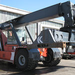 click on the picture to see our reachstackers