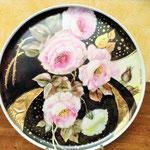 Anna Schiavi  pittura su porcellana con la tecnica dell'olio molle.
