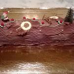 La bûche de noël traditionnelle au chocolat