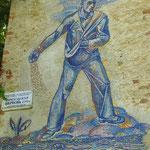 Кирха Borchersdorf - Зеленополье 2010 г Сохранившаяся мозаика посвящённая павшим односельчанам в 1 Мировой войне.
