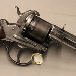 6. Militair 12mm penvuurrevolver, Francotte, Liege, voor 1877, mechanisch uitstekend. € 700,-