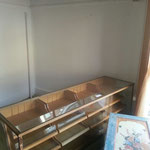 Die alte Kuchentheke wird nun als neue Pralinentheke genutzt.