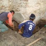 Grabungsarbeiten am Fundament