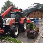 Wassertanks für Bühnenüberdachung füllen beim Schlosskopfparkplatz