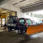 Polaris Ranger nach Defekt am Bauhof abladen, mit Lindner Unitrac