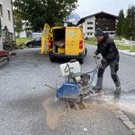 Wasserrohrbruch in Stubenbach, Asphalt schneiden...