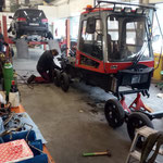 Reparatur Pistenbully Paana in der Servicewerkstatt in Sonntag