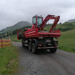 Baggertransport zum Wasserhochbehälter Oberlech Schlosskopf