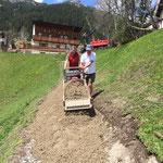 Wegeausbau Zug - Feinplanie ausbringen