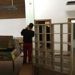 Regale zusammenbauen für Lehrmittelräume