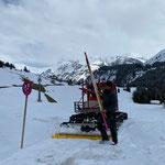 Winterwanderwege abbauen in Zug...