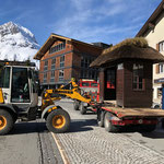 Baustelle Postareal: Kampen Buswartehaus abtransportieren