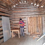 Gemeindestall in Zug für Renovierungsarbeiten ausräumen