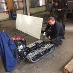Hydraulik-Bausatz auf Raupentransporter montieren und Kipper konstruieren