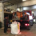 Salz aus Streuer entleeren für Umbau U400 Waschgerätaufbau