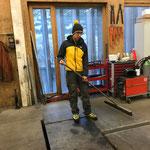 Aufräumarbeiten in der Werkstatt