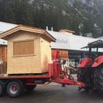 Weihnachtsmarkt Lech. Abbau und Rücktransport der Hütten