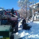 Schneestangen setzen am Omesberg, mit U1600