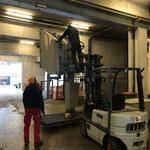 Lawinenorgeln aufbauen und für Flug vorbereiten in der Bauhofhalle