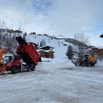 U530 Schneeabkippen am Schlosskopf, Rampe richten und Platz räumen mit Lader 550