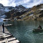 Steg lösen und im Freiwasser für Überwinterung verankern