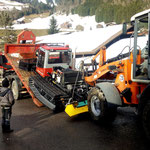 Pistenbully Paana für Reparatur abladen bei BG Fahrzeugtechnik in Sonntag, mit U530