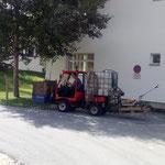 Rasenpflege rund um den Mesmerstall, Haus des Kindes, Spielplatz