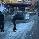 Eis entfernen Aufgang Kronenbrücke