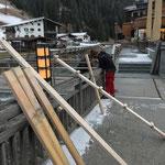 Holzskiständer Kronenbrücke montieren