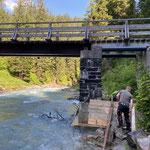 Schalungsarbeiten für Sanierung Bodenalpbrücke