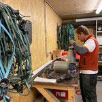 Elektrolager aufräumen und Lampen reparieren