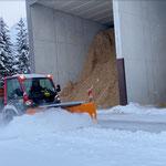 Schneeräumung Heizwerk Zug, mit Lindner Unitrac