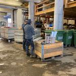 Skiweltcup Zürs, Vorbereiten von Bühnen-Equipment am Bauhof